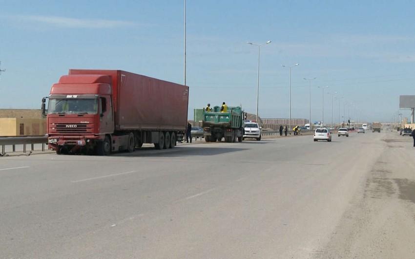 Azərbaycan hökuməti xarici dövlətlərin yük avtomobillərinin yol vergisindən azad olunması qaydasını təsdiqləyib