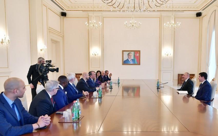 President Ilham Aliyev received delegation led by president of US-based Foundation for Ethnic Understanding