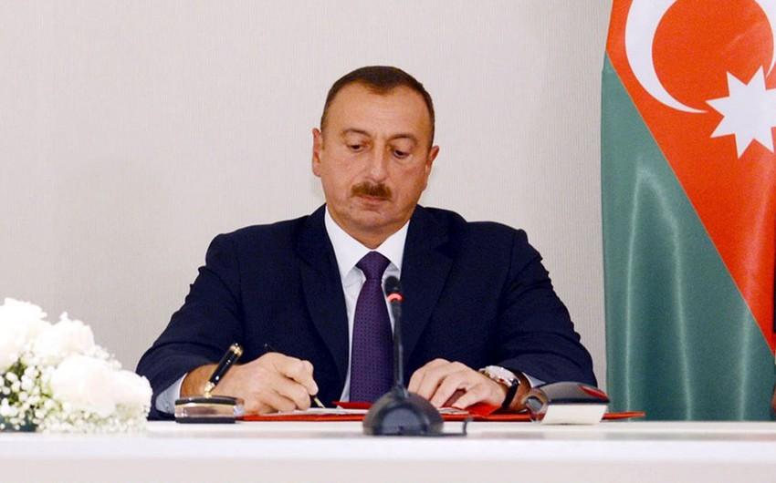 Ильхам Алиев наградил Почетным дипломом президента Азербайджанской Республики тренеров спортсменов, успешно выступивших на I Евроиграх