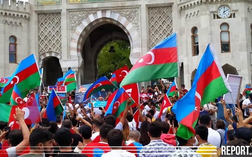 İstanbulda Azərbaycana dəstək aksiyası keçirilib
