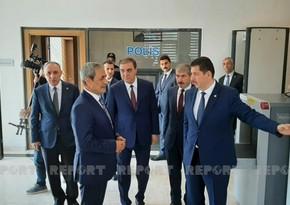 Bəkir Şahin Gəncədə şəhid müstəntiqin büstünü ziyarət edib