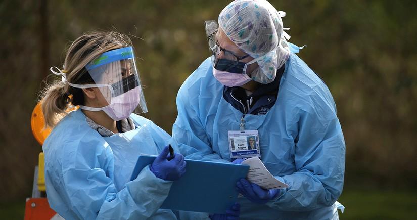 В США за сутки коронавирусом заразились свыше 90 тыс. человек
