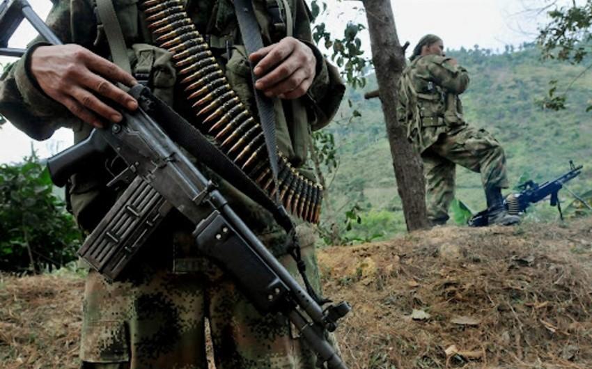 Kolumbiyaya silahlıların hücumu nəticəsində 5 əsgər həlak olub
