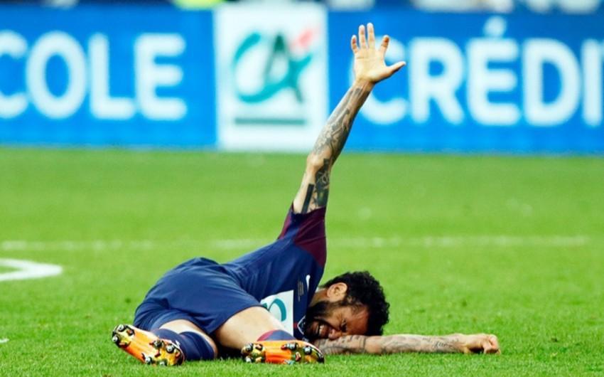 Сборная Бразилии подтвердила, что Дани Алвес пропустит ЧМ-2018