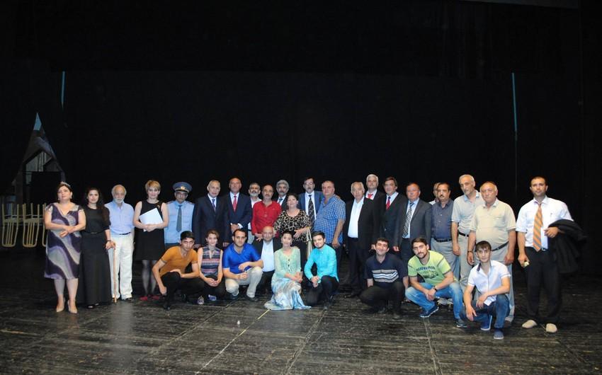 Sumqayıt Teatrında Burdan min atlı keçdi tamaşasının premyerası keçirilib