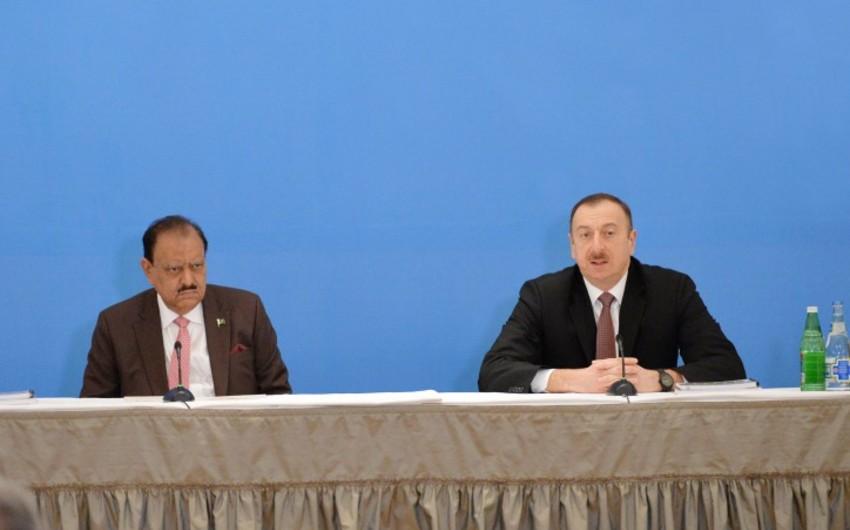 Prezident İlham Əliyev və Prezident Məmnun Hüseyn Azərbaycan-Pakistan biznes forumunda iştirak ediblər