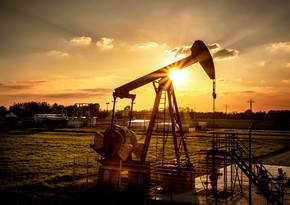 Fitch: Brent nefti uzunmüddətli dövrdə ucuzlaşacaq