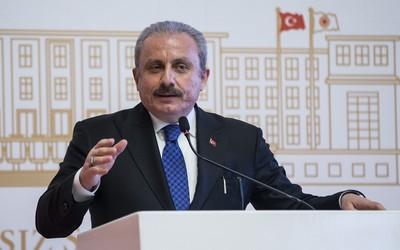 Председатель парламента Турции Мустафа Шентоп приезжает в Азербайджан