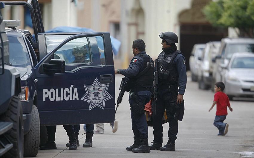 Meksikada polis və mülki əhali arasında silahlı toqquşma olub, 12 nəfər ölüb