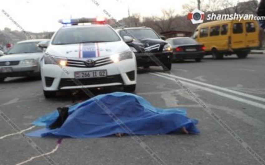 Ermənistan Müdafiə Nazirliyinə məxsus avtomobil yaşlı qadını vuraraq öldürüb