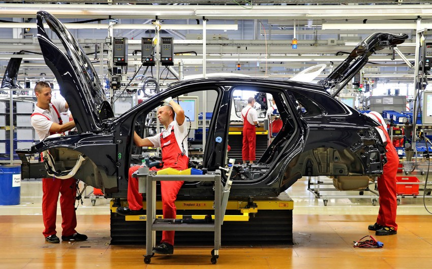 Azerbaijan decreases car, tractor productions