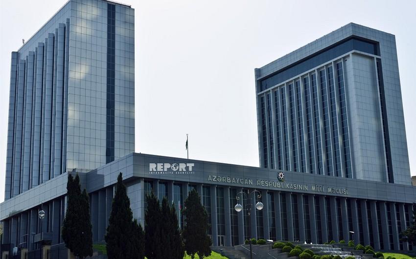 Azərbaycan Milli Məclisinin plenar iclası başlayıb
