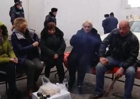 İtkin düşən erməni hərbçilərin valideynləri oturaq aksiya keçirir