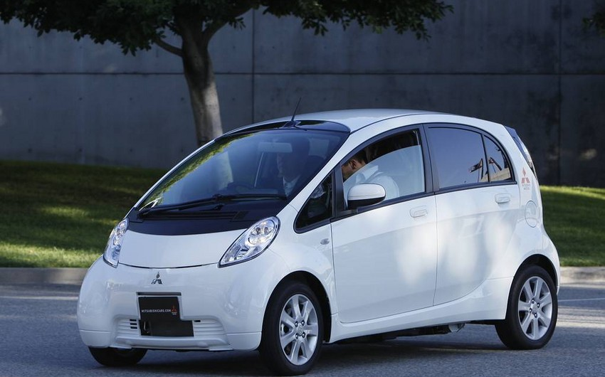 """""""Mitsubishi"""" dünyada ilk elektrik avtomobilinin istehsalını dayandıracaq"""