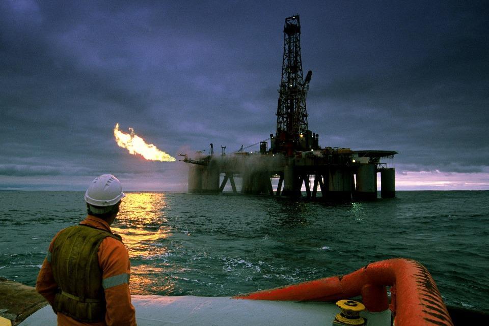 İranda neft hasilatı 2016-cı ildən bəri ən aşağı səviyyəyə düşüb