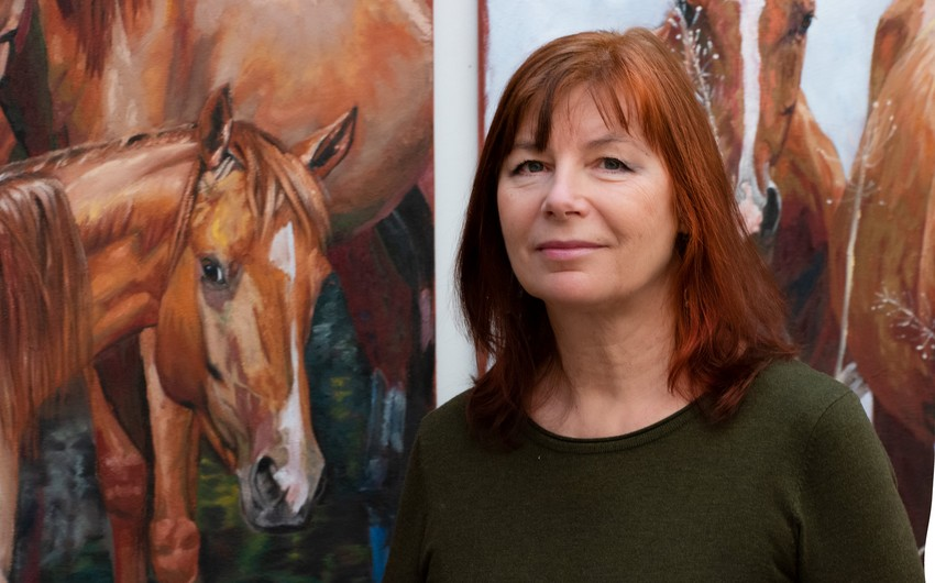 В Баку состоится выставка латвийской художницы, посвященная карабахским скакунам