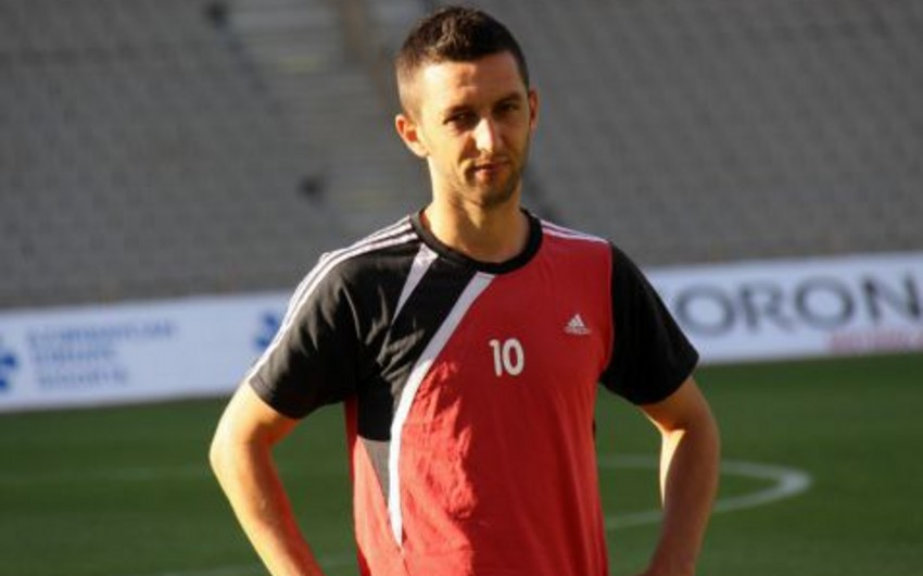 Muarem Muarem Qarabağ klubundan ayrılıb