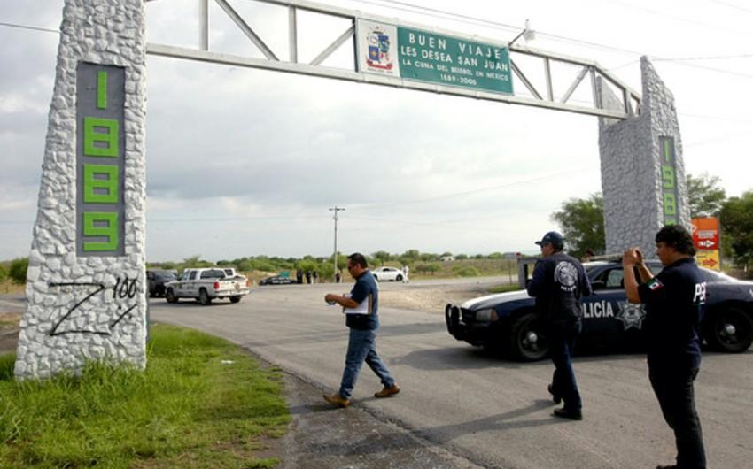 Meksikada başı kəsilmiş 5 nəfərin meyiti tapılıb