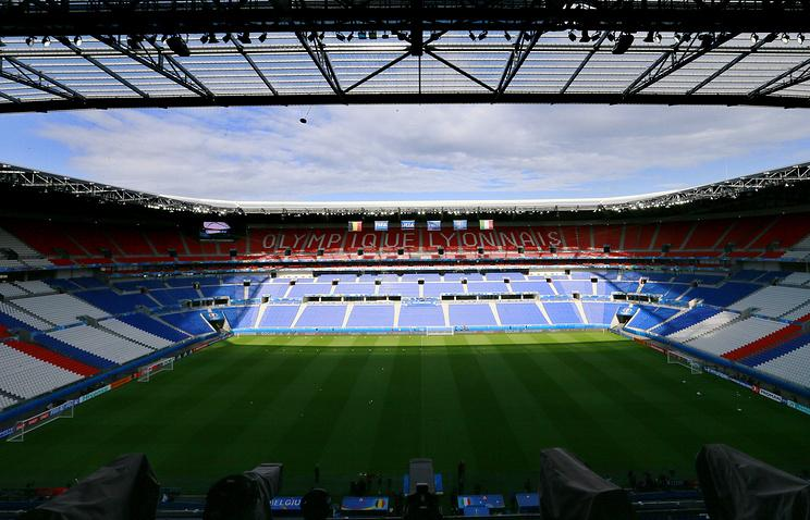 Три матча группового турнира чемпионата Европы по футболу пройдут в понедельник