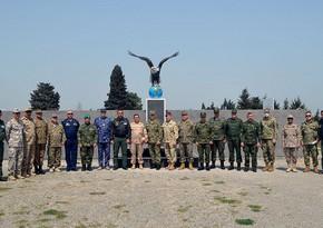 Военные атташе зарубежных стран в Азербайджане посетили воинскую часть ВВС