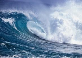 Neft Daşlarında dalğanın hündürlüyü 4,8 metrə çatıb