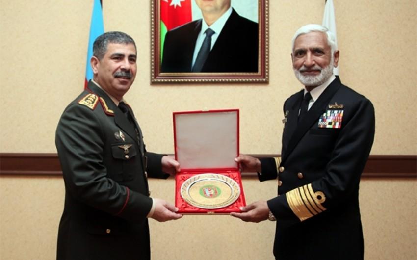 Azərbaycan ilə Pakistan arasında hərbi əməkdaşlığın genişləndirilməsi məsələsi müzakirə olunub