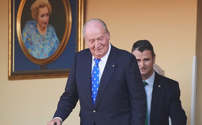 İspaniyanın korrupsiyada ittiham olunan keçmiş kralı ölkəni tərk edib
