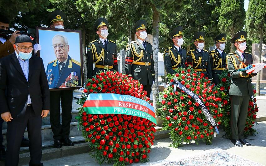 Prezident İlham Əliyev general-polkovnikin dəfn mərasiminə əklil göndərib