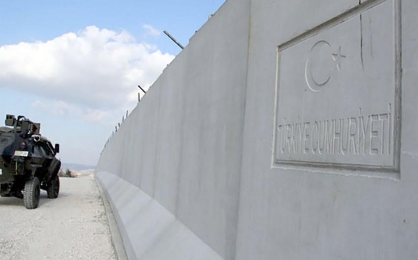 Türkiyə İranla sərhədə beton divar çəkəcək