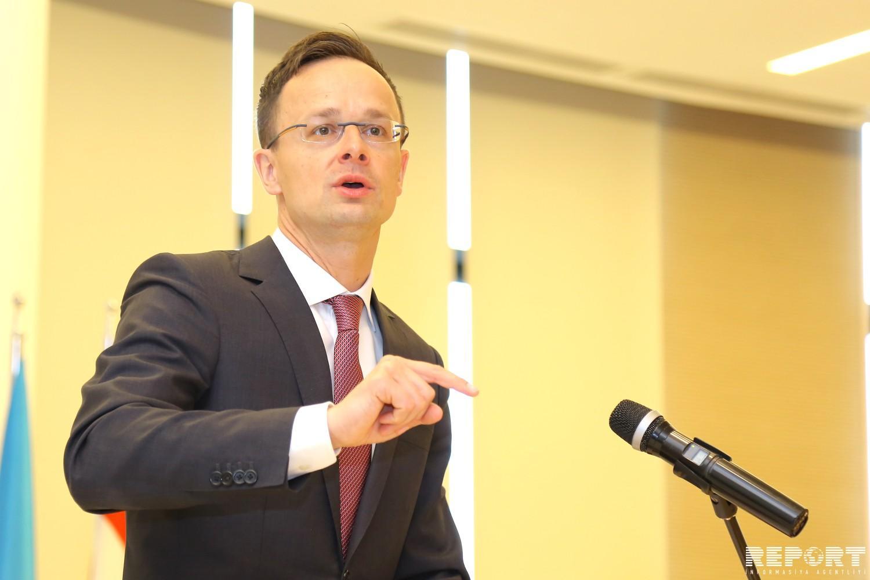 Macarıstanın XİN başçısı: Azərbaycanla əməkdaşlığı gücləndirmək üçün möhkəm baza var
