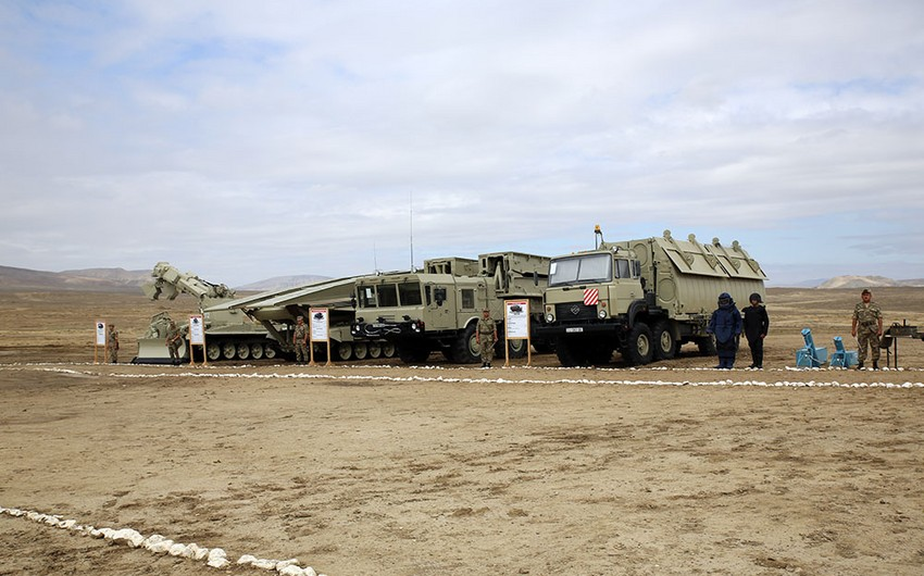 Azerbaijani Armed Forces conduct tactical and special exercises of combat engineer brigades