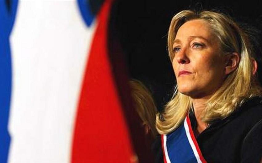 Marin Le Pen Fransanın NATO-dan çıxmalı olğunu hesab edir