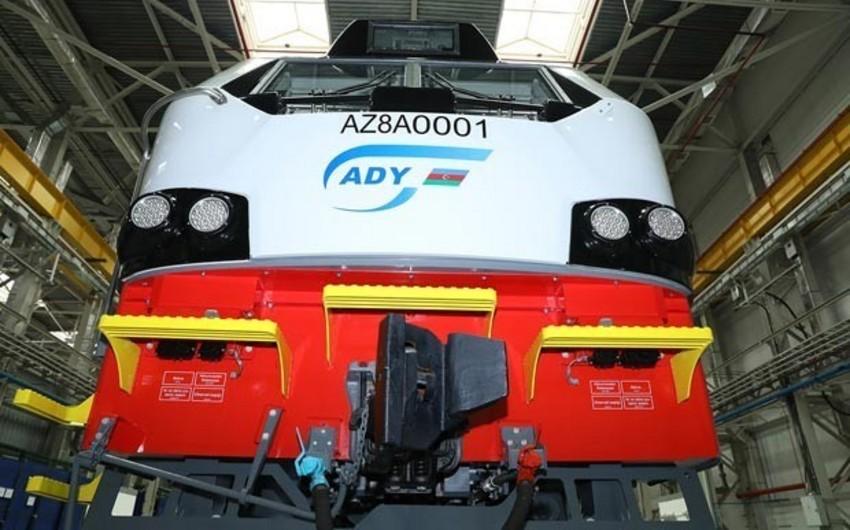 Qazaxıstanda istehsal olunan ilk yükdaşıyan lokomotiv Azərbaycana satılacaq
