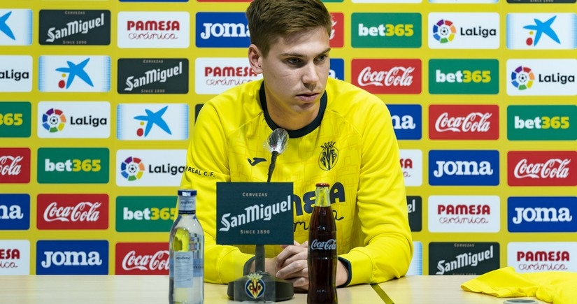 Vilyarreal yeni transferini təqdim etdi