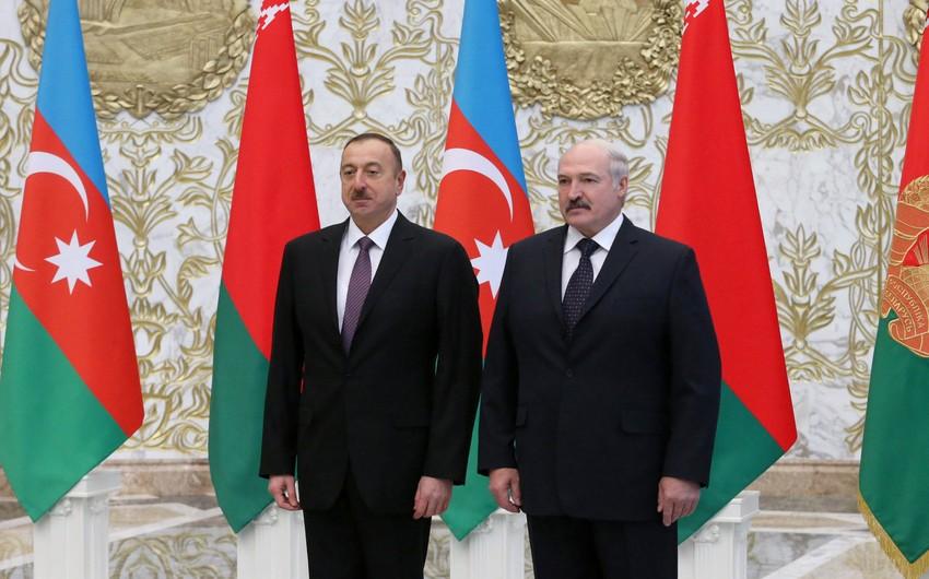 Aleksandr Lukaşenko İlham Əliyevi prezident seçkilərində inamlı qələbə qazanması münasibətilə təbrik edib