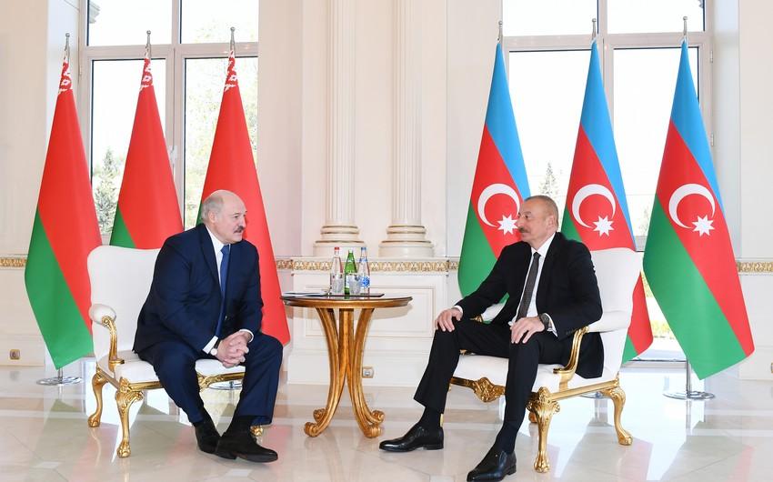 Azərbaycan və Belarus prezidentlərinin təkbətək görüşü olub - YENİLƏNİB