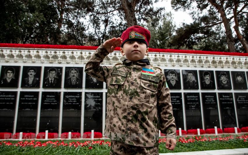 Азербайджанский народ чтит память шехидов 20 Января