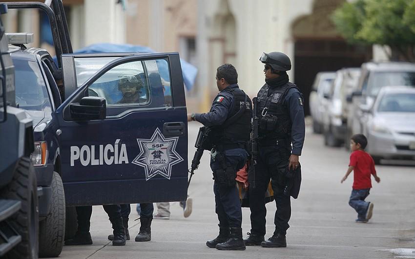 Meksikada 20 nəfərin cəsədi aşkarlanıb