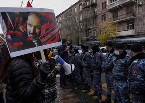 В Ереване проходит автомобильное шествие неповиновения