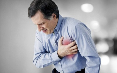 What are signs of impending heart attack?