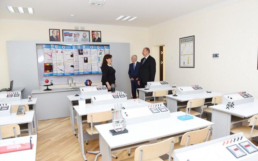 Президент ознакомился с работой, проделанной в школе номер 265 Хатаинского района после капитального ремонта