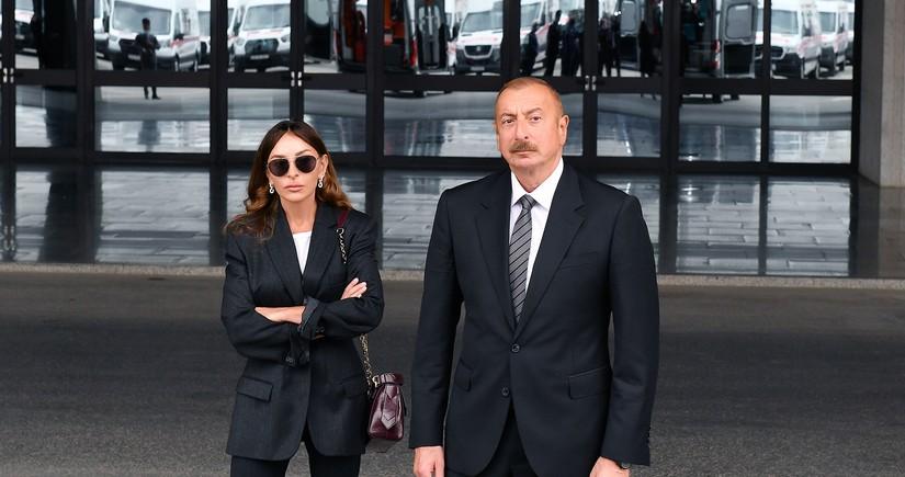 İlham Əliyev və Mehriban Əliyeva yaralı hərbçilərlə görüşüblər