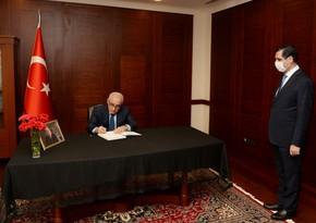 Əli Əsədov Məsud Yılmazın vəfatı ilə əlaqədar Türkiyəyə başsağlığı verib