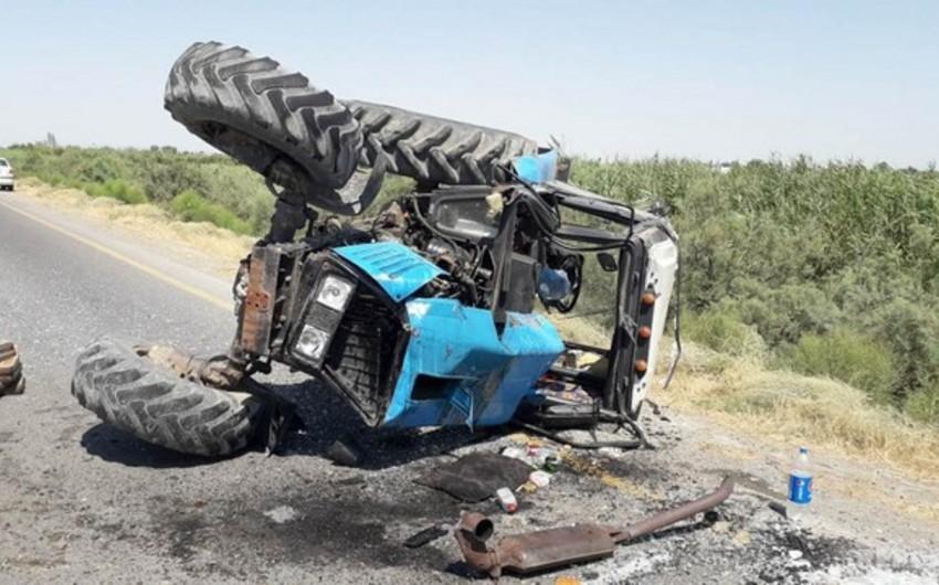 Füzulidə əkin sahəsində traktor aşıb, ölən var