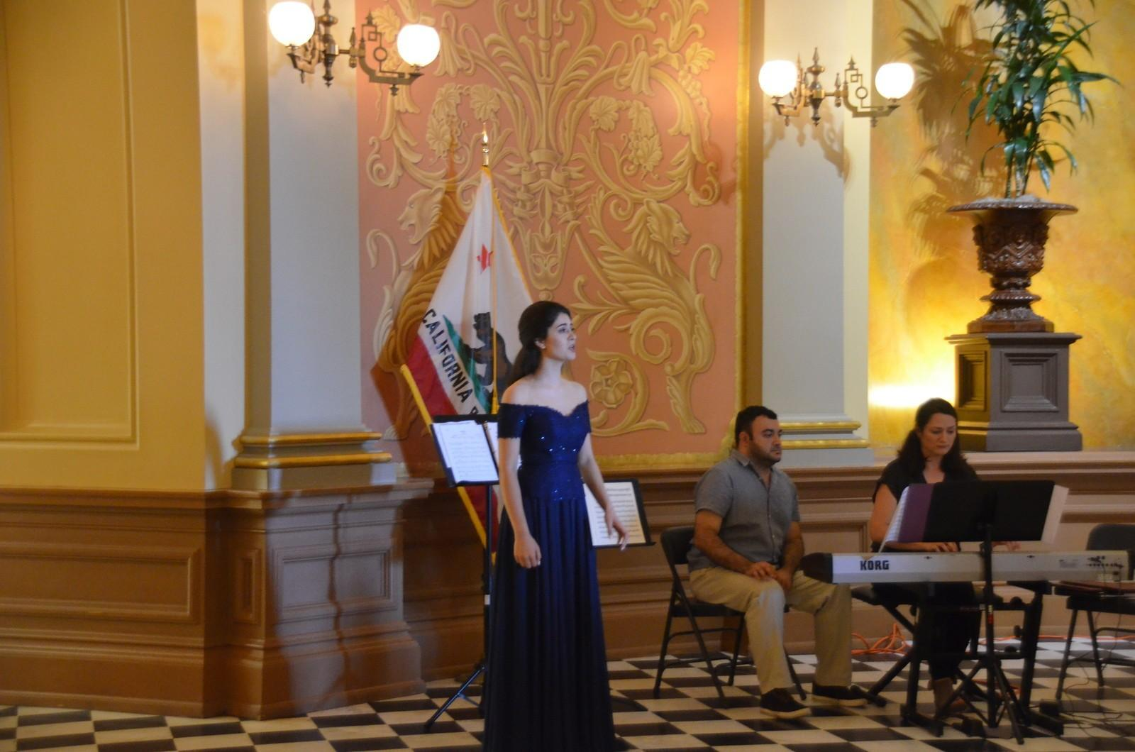 California State Senate hosts Azerbaijani musicians