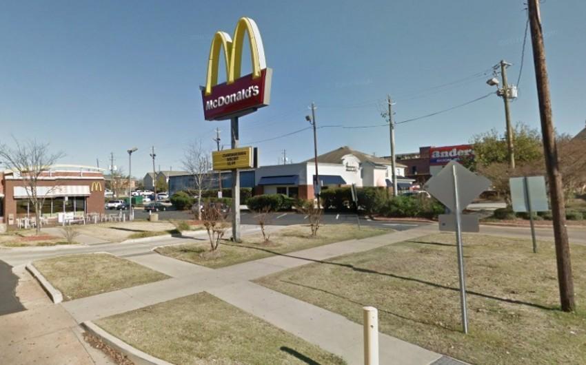 ABŞ-da naməlum şəxs McDonald'sda insanlara atəş açıb