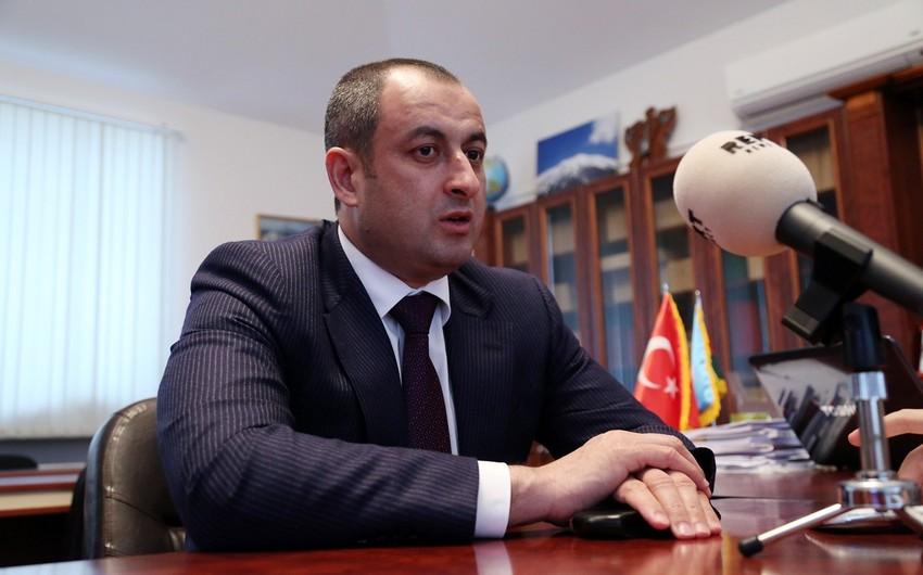 Adil Əliyev: Onlar saxtakarlığı bacarırlar, İncəsənət Universitetini bitiriblər