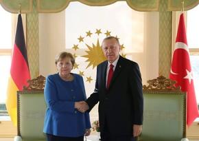 Ərdoğan cəbhədəki vəziyyəti Merkellə müzakirə edib