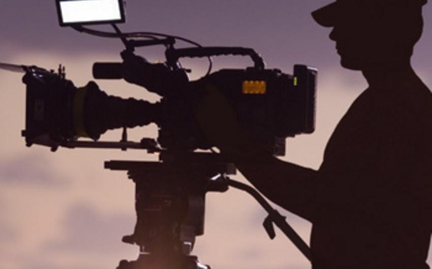 Hungarian director shoots documentary about Baku