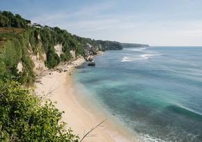 Bali adası turistlərin üzünə açılır